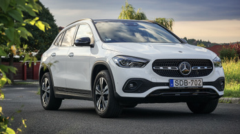 Mercedes-Benz GLA 200d - 2020.