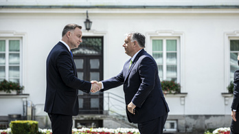 Orbán Viktor szurkol Donald Trumpnak