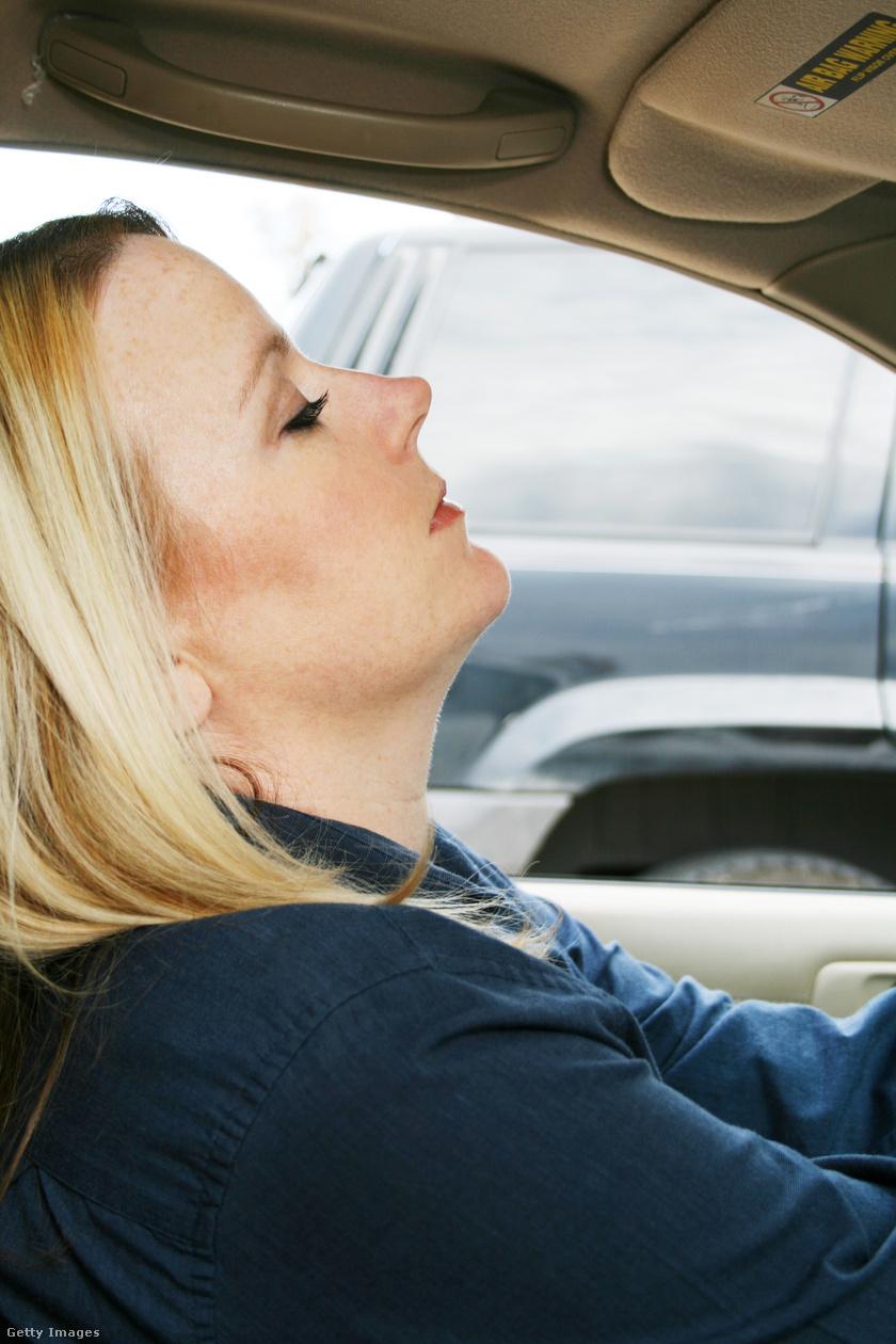 fáradtan vezetni 1