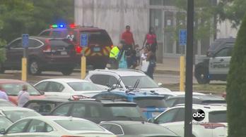 Egy nyolcéves kisfiú meghalt egy lövöldözésben egy amerikai bevásárlóközpontban