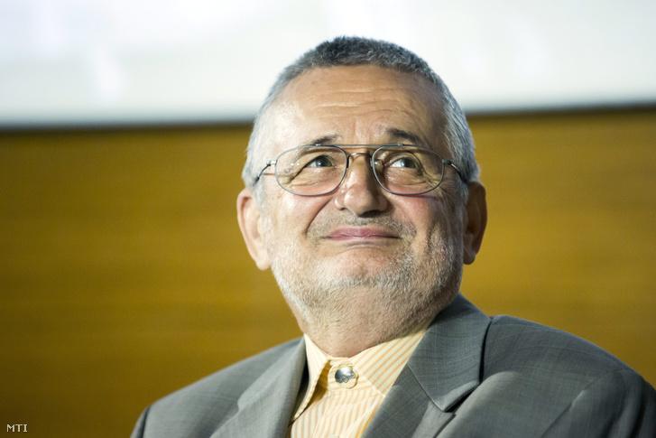 Csányi Vilmos Széchenyi-díjas biológus, etológus, szépíró