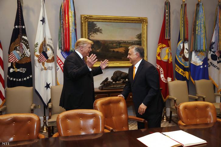 Donald Trump és vendége Orbán Viktor a washingtoni Fehér Ház Roosevelt-termében 2019. május 13-án.