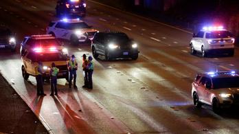 Tüntetők közé hajtott egy férfi Seattle-ben