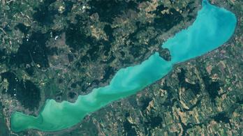 Műholdfelvételek alapján állapították meg, hogy tisztul a Balaton