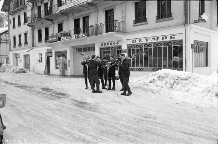 Síelők Chamonix-ban 1966-ban