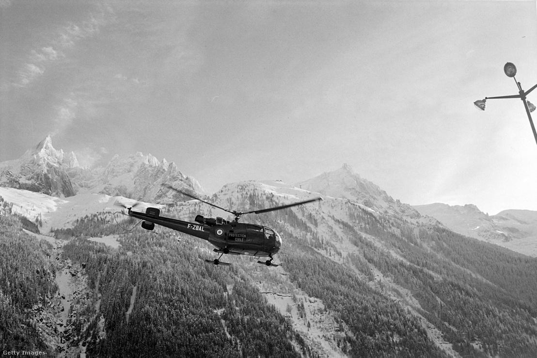 Kereső helikopter a Mont Blanc-nál 1966-ban
