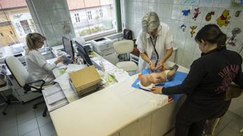 Egy-másfél nap alatt tűnt el a házi gyermekorvosok 40 százaléka