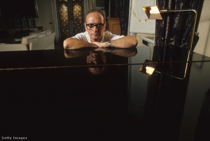 Ennio Morricone római házában 1987-ben