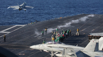 Két amerikai repülőgép-hordozó jelent meg a Dél-kínai-tengeren