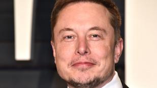Elon Musk női Tesla-shortjai két perc alatt fogytak el a webshopból