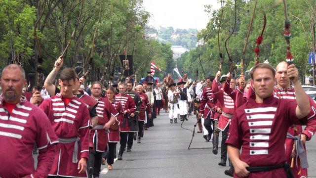 Videó: A Pozsonyi csatára emlékezett a felvonulás