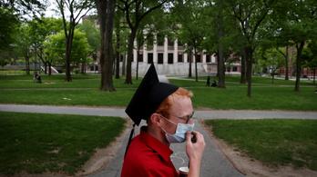 Az USA hazaküldi a külföldi egyetemistákat, ha csak online oktatásuk lesz