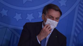 Bolsonaro koronavírusos tüneteket mutat
