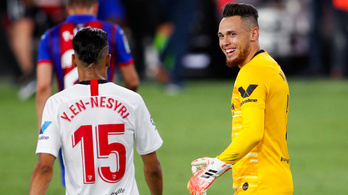 Győztes gólt rúgott, majd beállt a kapuba védeni a Sevilla csatára