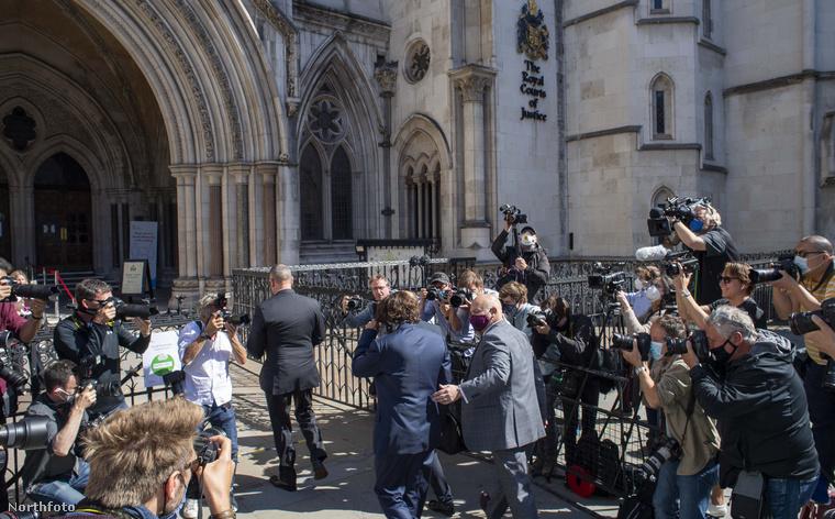 Depp napokkal ezelőtt érkezett Londonba, azóta az ügyvédjével készültek az elkövetkező napokra