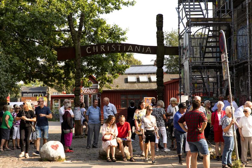 Christiania Koppenhága egyik legfőbb turistaattrakciója, rengetegen keresik fel a világ minden pontjáról. A városrész lakói örömmel fogadják a látogatókat, egészen addig, amíg azok betartanak néhány fontos szabályt.