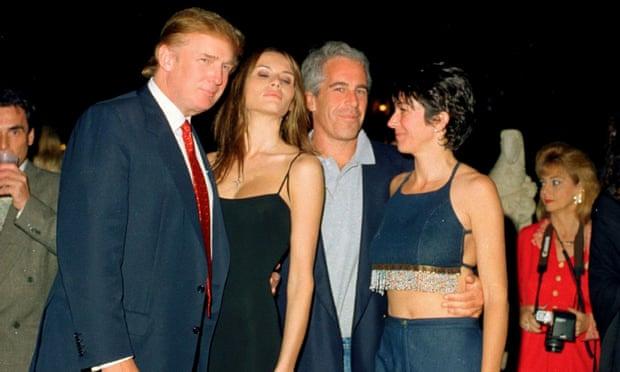 Az eredeti kép: Donald Trump, Melania Trump, Jeffrey Epstein és Ghislaine Maxwell.