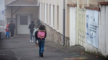 A kormány fizeti a kártérítést a gyöngyöspatai roma diákoknak