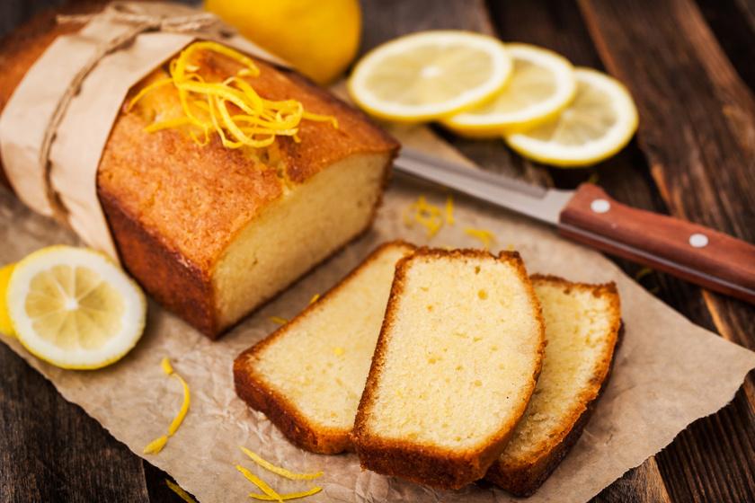 Pillekönnyű joghurtos, citromos gyümölcskenyér: csak keverj össze mindent