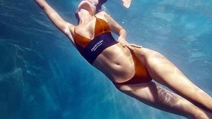 Bella Hadid művészien pancsol a Calvin Klein új bikinikampányában