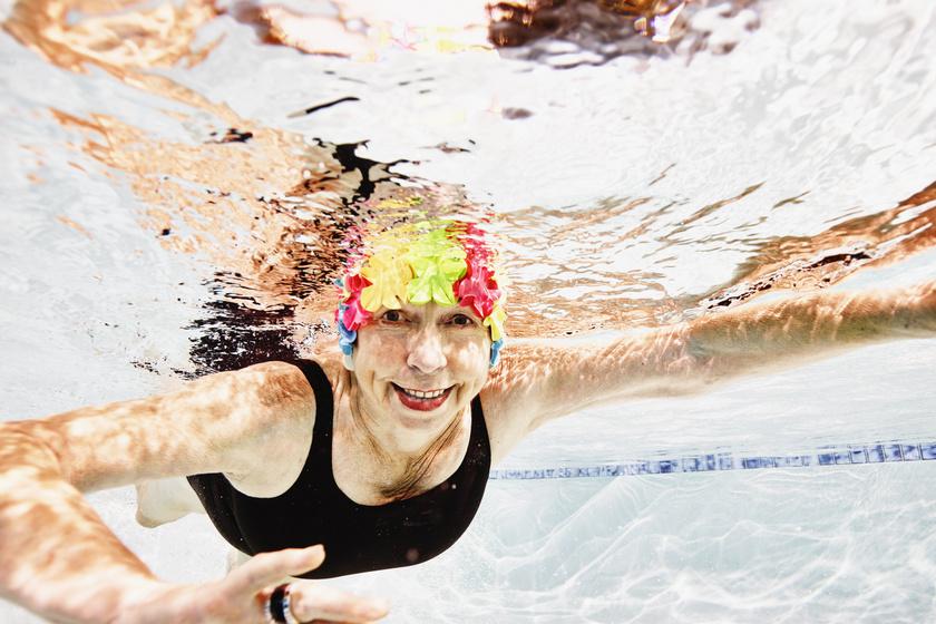 Magas vérnyomással küzdesz? 7 ok, amiért az úszás igazán jótékonyan hat a betegségre