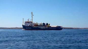 Lefoglalták az olasz hatóságok a Sea-Watch civilszervezet hajóját