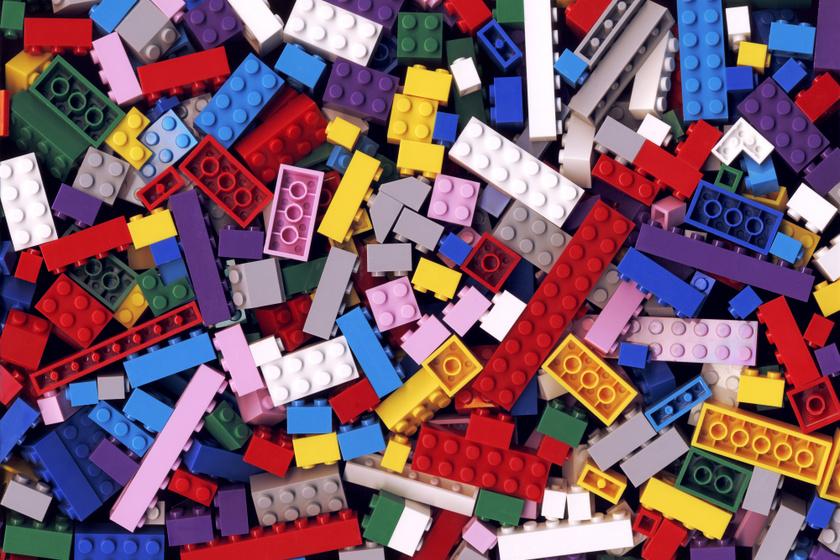 Mit tegyél, ha a gyerek lenyeli a legót vagy a pénzérmét? Sorra vesszük a legfontosabb tudnivalókat