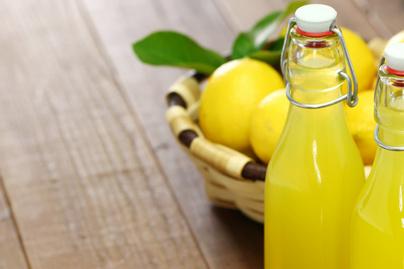 Illatos, házi limoncello – Az olaszok isteni likőrjét otthon is elkészítheted