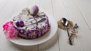 Levendulás sajttorta szilvalekvárral – még egy sütés nélkül készülő, izgalmas desszert