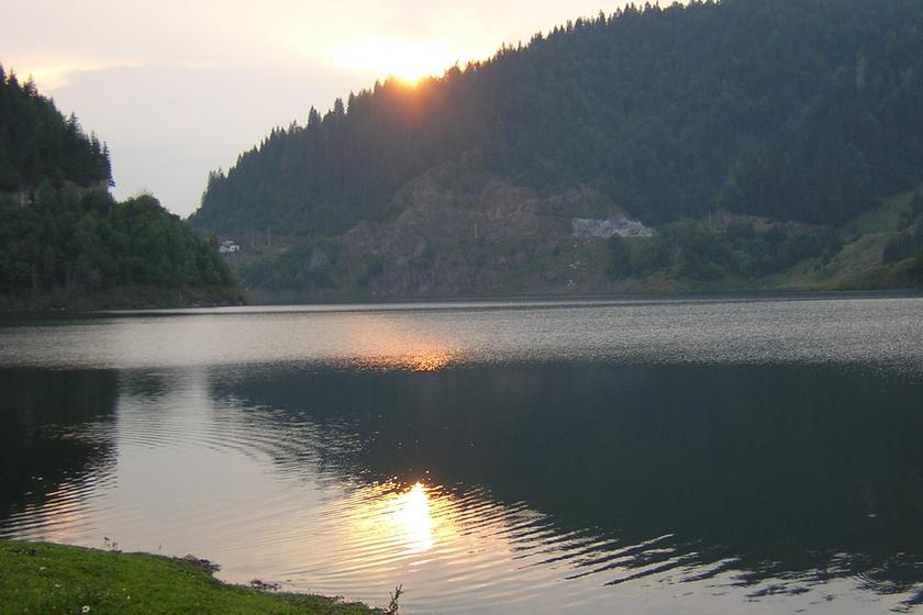 Lake Colibita - overlooking the dam