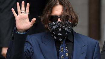 Amber Heard szerint Johnny Depp lökdöste őt, Depp szerint csak görcsei voltak a drogelvonás miatt