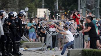 Betiltják a gyülekezést Belgrádban