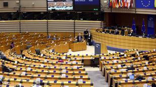 """""""Orbán bandája hihetetlenül meggazdagodik"""" – vita az EP-ben a jogállamiság és a költségvetés összekötéséről"""