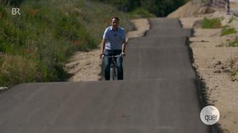 Egy kész agyrémet adtak át egy bajor faluban bicikliútként