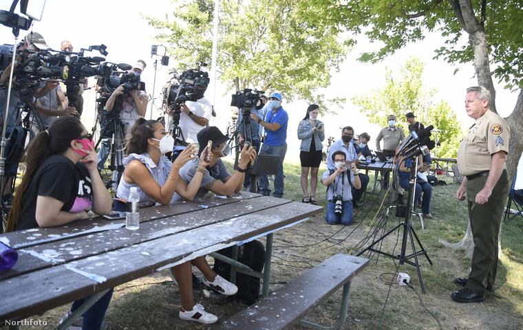 A Ventura megyei seriff egy sajtótájékoztatón bejelentette, hogy a Naya Riverát kereső csapatok a továbbiakban már nem számítanak arra, hogy életben találják, írja az E!Online.