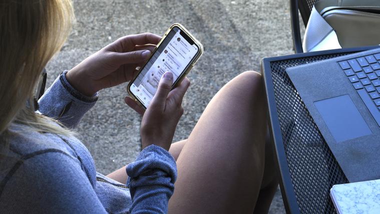 Bezuhant a roaming a járvány miatt