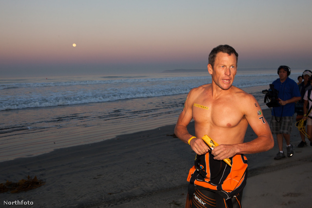 Lance Armstrong a Superfrog nevű triatlon-versenyen