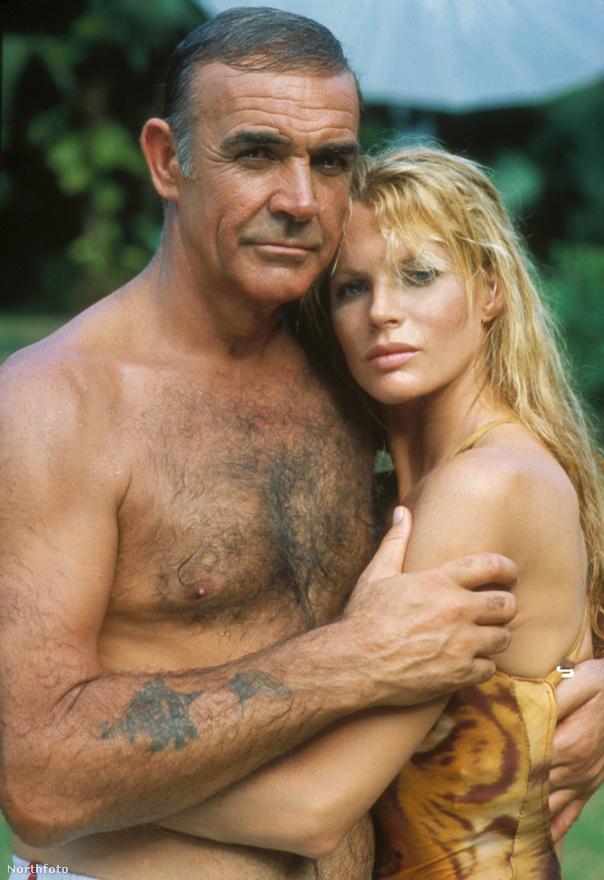 A 83-as Soha ne mondd, hogy soha nem hivatalos Bond-film: ebben az évben Broccoliék a Polipkát küldték a mozikba Roger Moore-ral a főszerepben. A 65-ös Tűzgolyó társrendezője viszont leforgatott egy remake-et (megtehette, 63 óta nála voltak a Thunderball regény szerzői jogai), amit Kim Basinger combjai mellett Sean Connery visszatérése miatt szerettek a nézők.