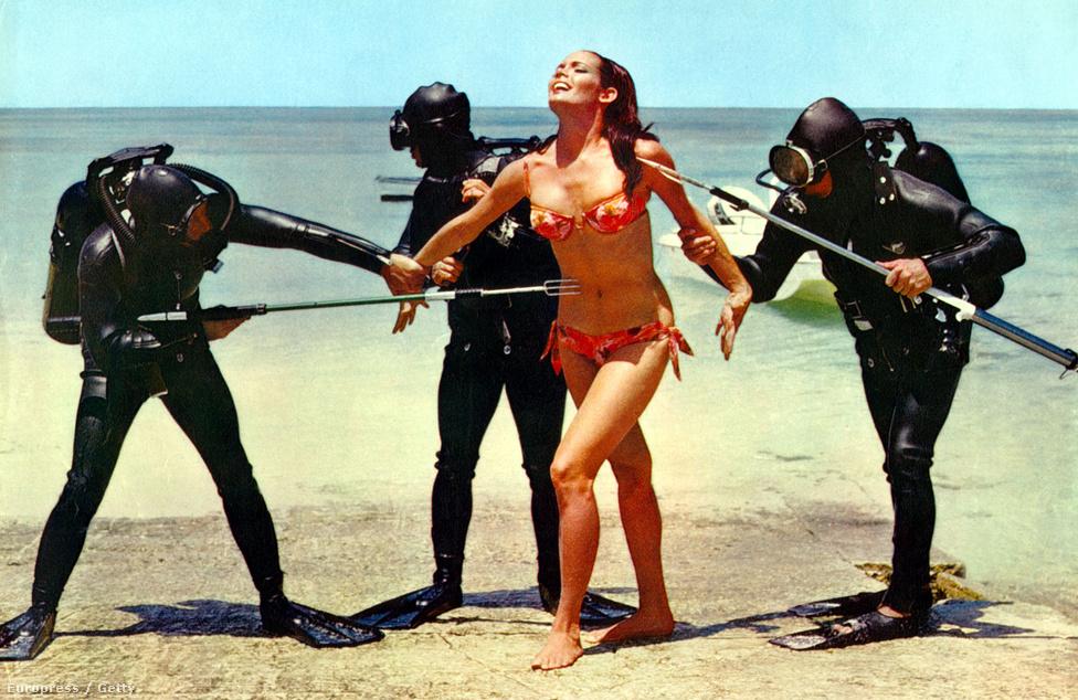 A magazinok címlapjára kívánkozó arca és a bikinis jelenetei miatt a mai napig Claudine Auger a rajongók egyik kedvenc Bond-lánya. A filmbe egyébként az eredeti sztori társírója, a víz alatti jelenetekért felelős Kevin McClory protezsálta be, miután megakadt rajta a szeme egy nassaui nyaralás alkalmával a tengerparton.