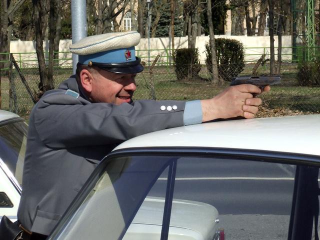 A törvény nevében fegyvert fogok használni!