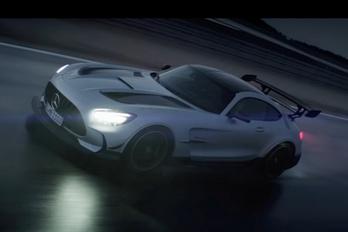 Videón mutatták meg a legdurvább AMG GT-t