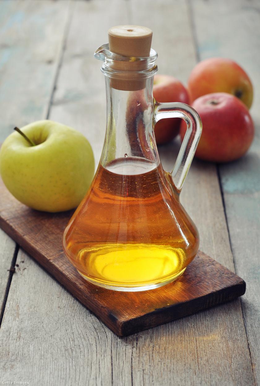 Almaecetet félliteres kiszerelésben már 300 forint körül találsz az üzletekben, kiváló vitamin- és ásványianyag-forrás. Étkezések előtt kis pohárral fogyasztva, illetve salátákhoz használva növeli a telítettség érzését.