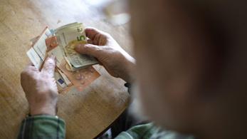 Két év múlva a bolgárok és a horvátok is euróval fizethetnek