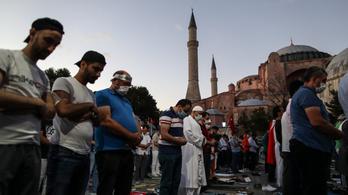 Erdogan: a Hagia Szophia nyitva marad a nem muszlimok előtt