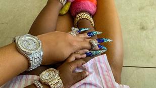 Cardi B kislánya gyémántokkal kirakott Patek karórát is kapott 2. szülinapjára