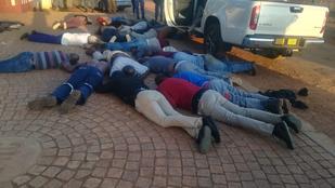 Túszdráma Johannesburgban: öt embert megöltek egy húsvéti templomnál