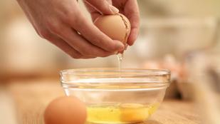 Így bányászd ki a héjdarabkákat a feltört tojásból