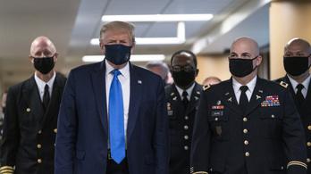 Trump több hónap vonakodás után nyilvánosan maszkban mutatkozott