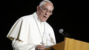 A pápa szerint elkeserítő a Hagia Szophia mecsetté alakítása