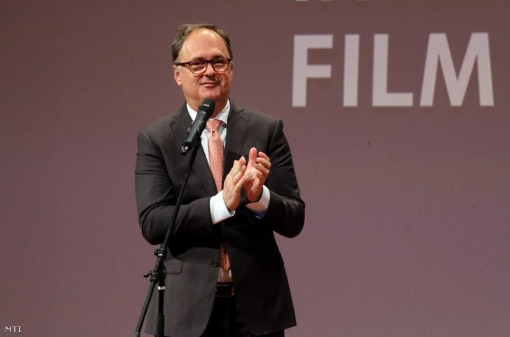 Káel Csaba filmrendező, filmügyi biztos beszédet mond a 16. CineFest Miskolci Nemzetközi Filmfesztivál díjátadó gáláján 2019. szeptember 21-én